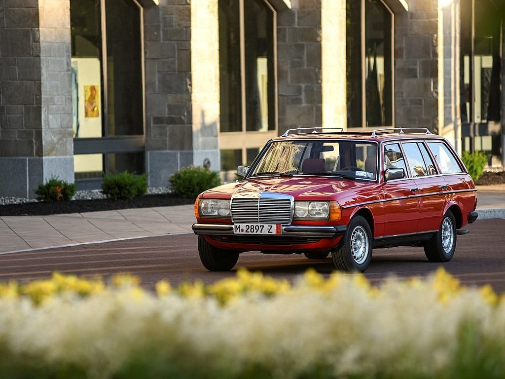 Mercedes Benz 300d Td I Ll Take Two Of Those Please Second Daily