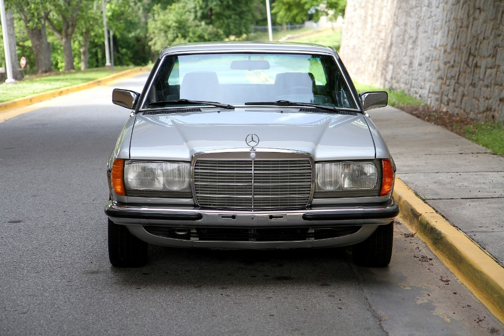 web finds for sale 1984 mercedes benz 230ce second daily classics. Black Bedroom Furniture Sets. Home Design Ideas